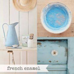 Miss Mustard Seed´s Milk Paint im Farbton French Enamel, einem matten Mittelblau.