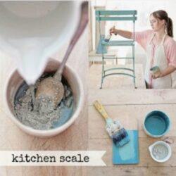 Miss Mustard Seed´s Milk Paint im Farbton Kitchen Scale, dunklen Türkis.